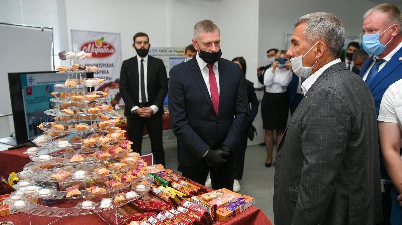 Визит Президента Республики Татарстан на выставку резидентов ТОСЭР «Чистополь»